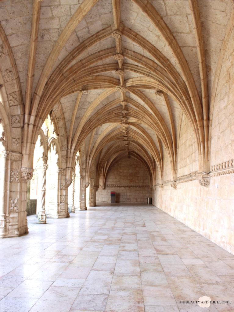 Lissabon Lisbon Lisboa Travel Diary Reise Bericht Tipps Mosteiro dos Jeronimos Hieronymus Kloster Arkaden Gang